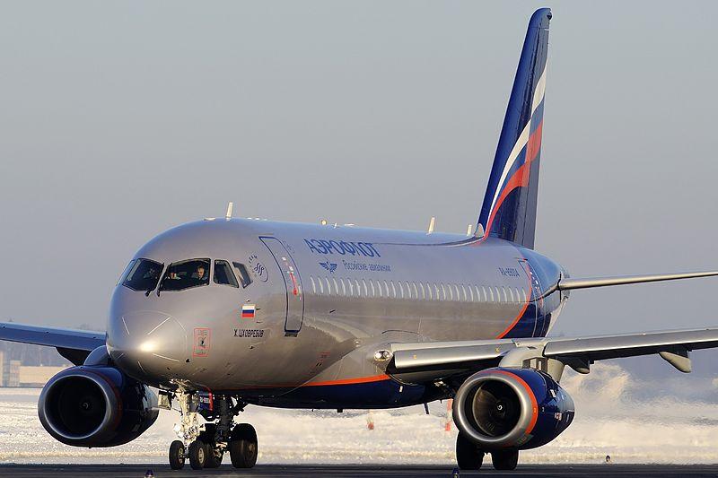 sukhoi_superjet_100-95.jpg